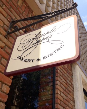 Simple Simon's Bakery & Bistro Sign